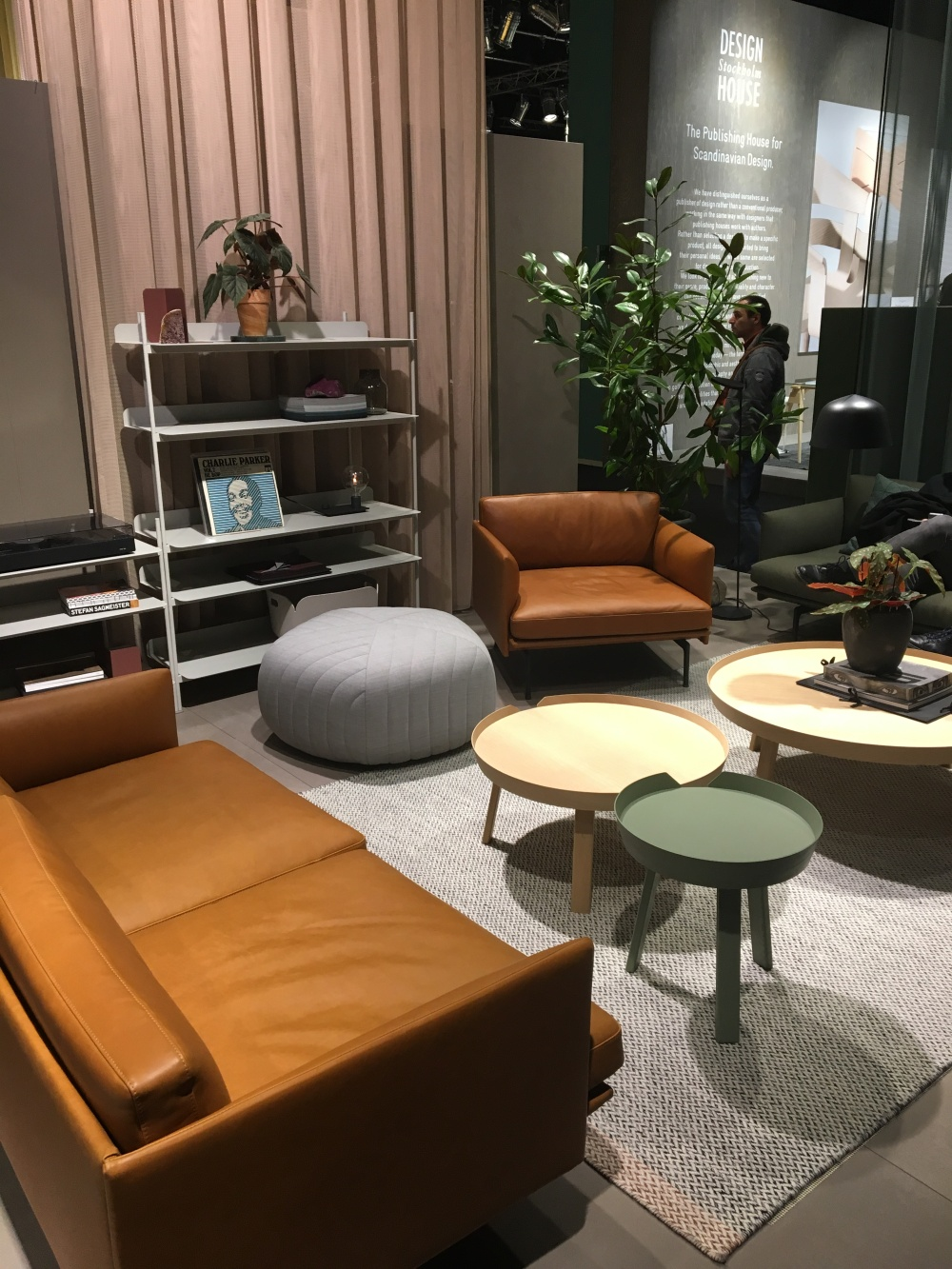 Muuto - Hall 3.2 (Pure Editions)
